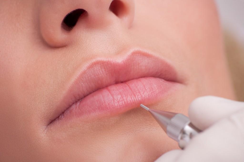 Lèvres avec estompage Brigitte-Beauté Genève